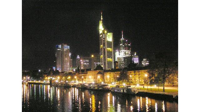 TS_pia_Skyline_bei_Nacht
